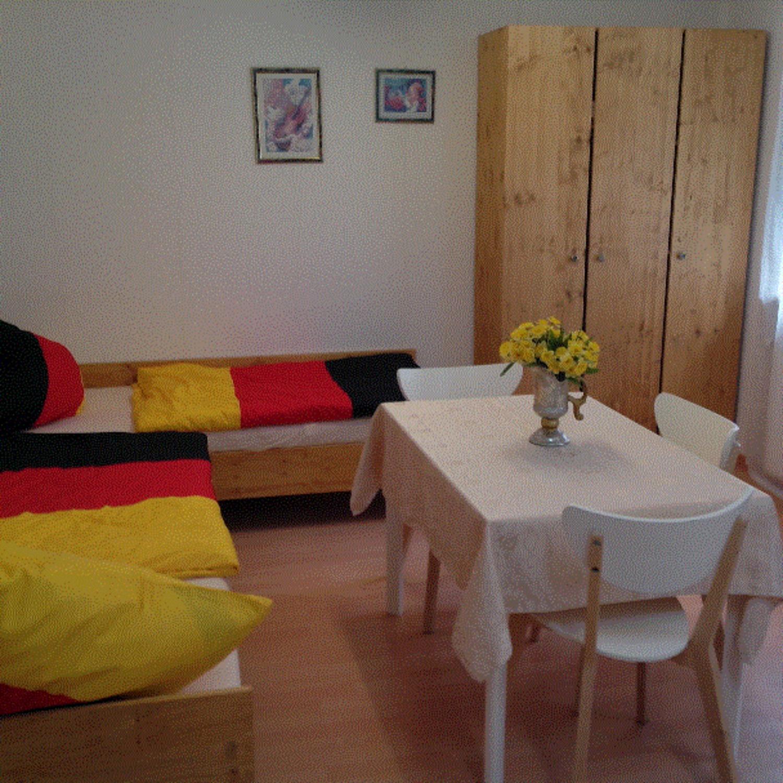 Dreibettzimmer In Little House 2 Short Term Room In
