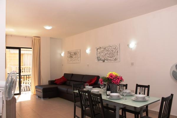 Seashells One Bedroom Apartment Short Term Apartment In Buġibba Gloveler